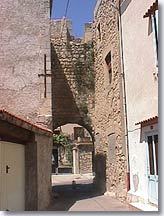 Saint Mitre les Remparts, door of the village