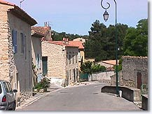 Saint esteve janson village of provence provence web for Piscine st esteve