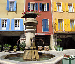 Buis les Baronnies, fountain