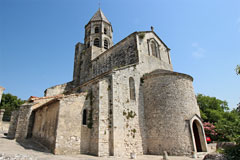 La Garde Adhemar, the church