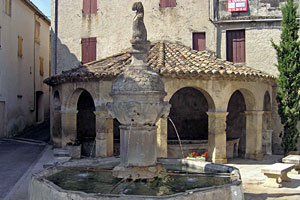 Mollans sur Ouveze, fountain and wash-house