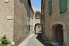 Taulignan, terrace on the village gate