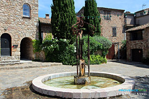 Les Arcs sur Argens, fountain in the Parage