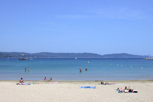 Cavalaire sea resort in the var provence web for Camping cavalaire sur mer avec piscine