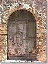Chateaudouble - Old door