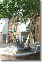 Neoules - Fountain