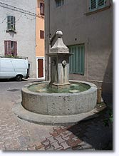 Sollies Toucas - Fontaine