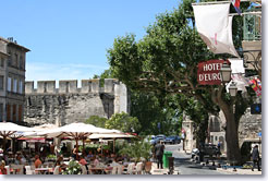 Avignon :  Square and ramparts