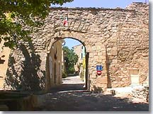 Le Beaucet -  Entry of the village