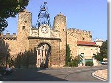 Camaret sur aigues vaucluse provence web for Porte de l horloge salon de provence