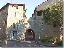 Caromb - Entry of the village