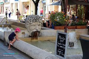 Carpentras, fontaine et bassin