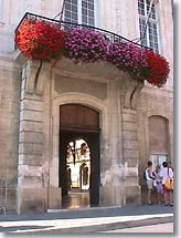 Cavaillon, door