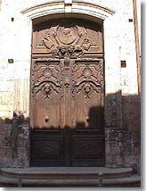 Cavaillon, typical door