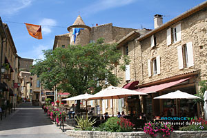 Chateauneuf du pape wine village of the vaucluse - Chambres d hotes chateauneuf du pape ...