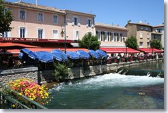 Isle le sur la Sorgue - restaurants terraces on the river