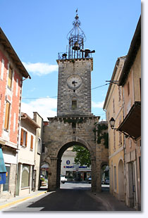 Le Thor, the Douzabas Gate and its bell tower
