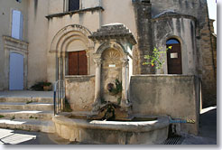 Lourmarin - Fountain