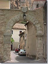 Mornas, door of the village