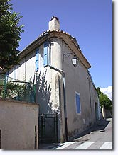 Peypin d'Aigues, house