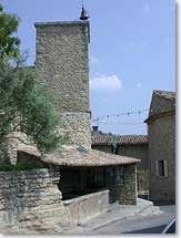 Saumane in Vaucluse - Tower