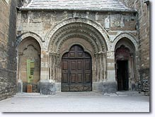 Valreas - Church door