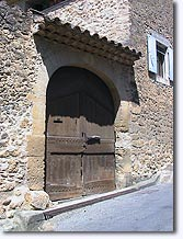 Vaugines - Old door