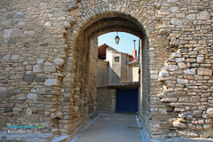 Venasque, ramparts gate